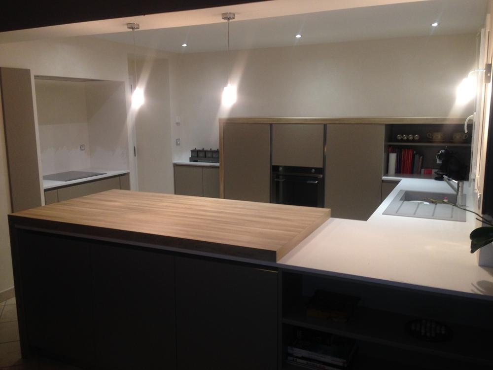 cuisine laque mate cuisines habitat. Black Bedroom Furniture Sets. Home Design Ideas